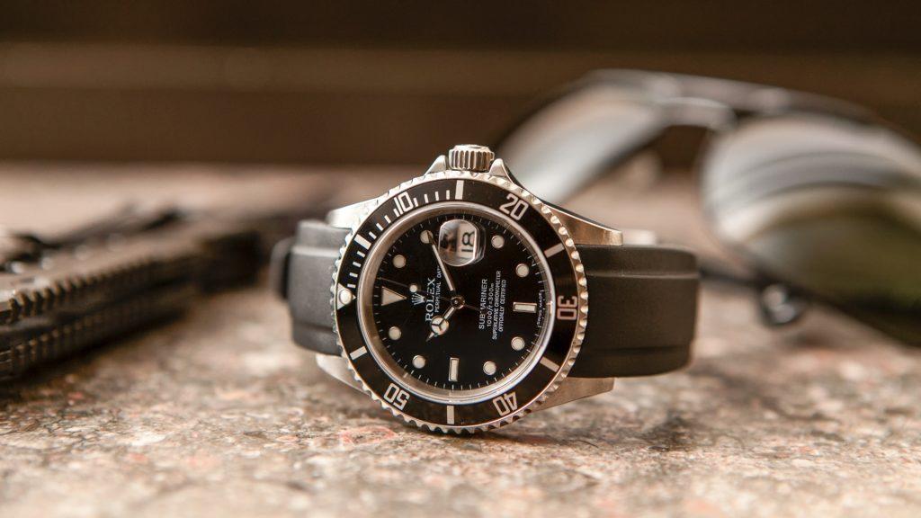Компания invicta стремится сделать часы доступными для как можно больших слоев населения, именно поэтому, цены на часы данной марки значительно ниже, чем у ее конкурентов, при отсутствии различия в качестве.
