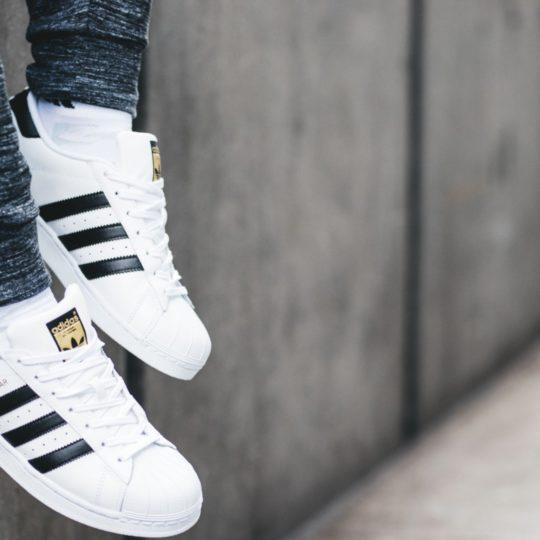 Кроссовки Adidas: как отличить оригинал от подделки